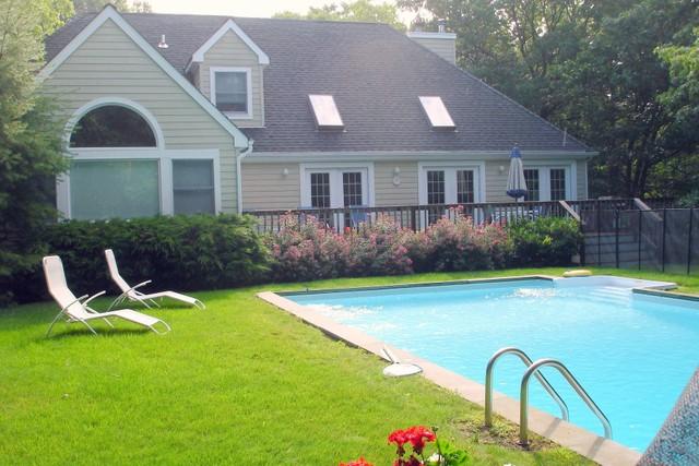 POST MODERN CLOSE TO BRIDGEHAMPTON TOWN - Single Family Home - Rent