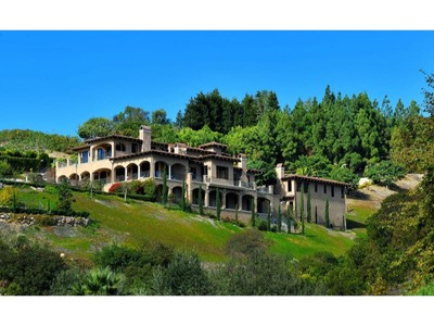 Vivienda unifamiliar for rentals at Fully Furnished Italianate Estate 6254 Porterdale Drive, Malibu, California 90265 Estados Unidos