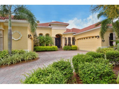 Single Family Home for sales at LAKEWOOD RANCH COUNTRY CLUB VILLAGE 13218  Lost Key Pl  Lakewood Ranch, Florida 34202 United States
