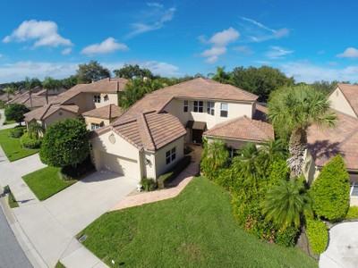 Maison unifamiliale for sales at PRESTANCIA 7624  Calle Facil Sarasota, Florida 34238 États-Unis