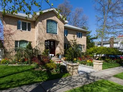 獨棟家庭住宅 for sales at Colonial 160-11 10th Ave  Beechhurst, 紐約州 11357 美國