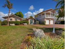 Maison unifamiliale for sales at SORRENTO SHORES 424  Sorrento Dr   Osprey, Florida 34229 États-Unis