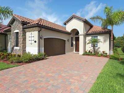 Single Family for rentals at 3106 Aviamar Cir  Naples, Florida 34114 United States