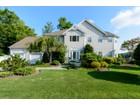 Villa for sales at Traditional 224 Mill Dam Rd Centerport, New York 11721 Stati Uniti