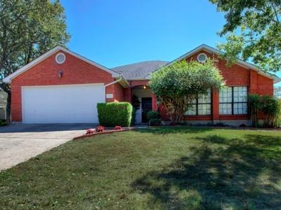 獨棟家庭住宅 for sales at Lovely One-Story Home in Stone Mountain 918 Lightstone Dr  San Antonio, 德克薩斯州 78258 美國