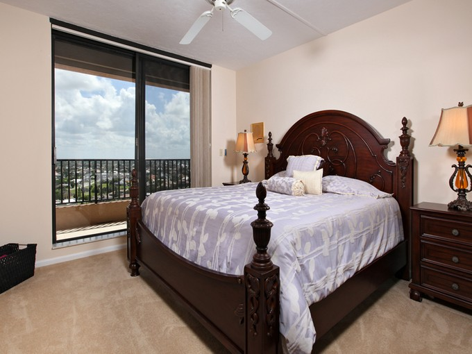 Kat Mülkiyeti for sales at MARCO ISLAND - SANDPIPER 850  Collier Blvd  S 1403 Marco Island, Florida 34145 Amerika Birleşik Devletleri