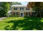 Einfamilienhaus for sales at Colonial 11 Sargent Pl Manhasset, New York 11030 Vereinigte Staaten
