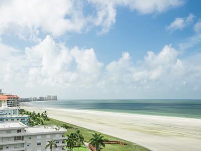 Condominium for sales at SOUTH SEAS 260  Seaview Ct 1209  Marco Island, Florida 34145 United States