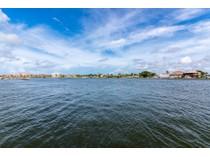 コンドミニアム for sales at MARCO ISLAND - MARCO INN VILLAS 850  Palm St C - 14   Marco Island, フロリダ 34145 アメリカ合衆国