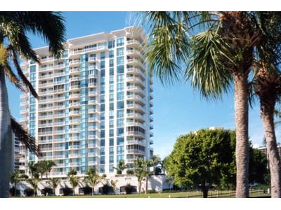 Nhà chung cư for sales at PARK SHORE - BAY SHORE PLACE 4255  Gulf Shore Blvd  N 706 Naples, Florida 34103 Hoa Kỳ
