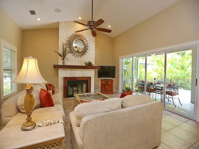 Частный односемейный дом for sales at RIEGELS LANDING 1258  Riegels Landing Dr Sarasota, Флорида 34242 Соединенные Штаты
