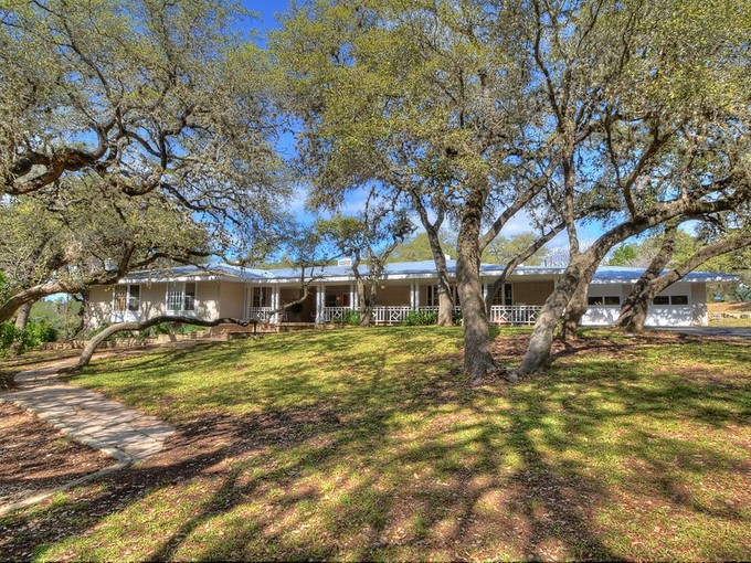 Einfamilienhaus for sales at Sprawling Ranch Home on an Extraordinary 50 Acres 1851 Ponderosa Dr  New Braunfels, Texas 78132 Vereinigte Staaten