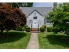 Tek Ailelik Ev for sales at Cape 13 Lindbergh Ave  Glen Cove, New York 11542 Amerika Birleşik Devletleri