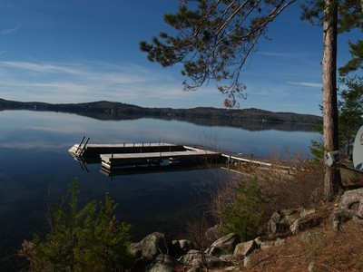 Einfamilienhaus for sales at Lake Sunapee Home 81 Lighthouse View Road New London, New Hampshire 03257 United States