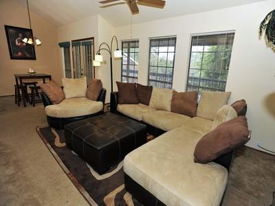 Кооперативная квартира for sales at Beautiful Condo in Pointe North 8633 Datapoint Dr 220  San Antonio, Техас 78229 Соединенные Штаты