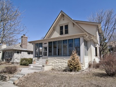 Einfamilienhaus for sales at 440 Hamline Ave S, St. Paul, MN 55105 440  Hamline Ave  S St. Paul, Minnesota 55105 Vereinigte Staaten