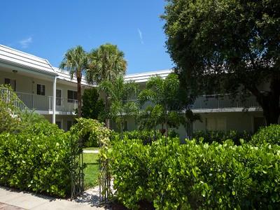 Condominio for sales at OLD NAPLES - SOUTHWIND 515  Broad Ave  S Naples, Florida 34102 Estados Unidos