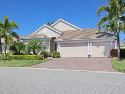 Частный односемейный дом for sales at LAUREL LAKES 2966  Bravura Lake Dr Sarasota, Флорида 34240 Соединенные Штаты