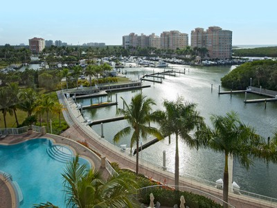 コンドミニアム for sales at PELICAN ISLE - AQUA 13675  Vanderbilt Dr 605  Naples, フロリダ 34110 アメリカ合衆国
