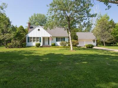 Casa Unifamiliar for sales at Cape 245 Silver Colt Rd Cutchogue, Nueva York 11935 Estados Unidos