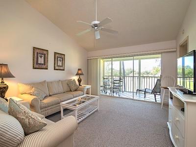 Condominio for sales at ROYAL WOOD - BLOOMFIELD RIDGE 5955  Bloomfield Cir A302 Naples, Florida 34112 Stati Uniti