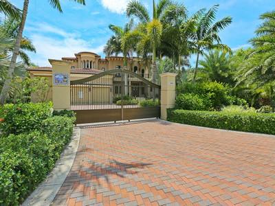 Maison unifamiliale for sales at LEMON BAY ESTATES 5860  Jamila River Dr Venice, Florida 34293 États-Unis