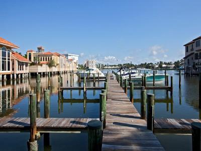 Altro tipo di proprietà for sales at VENETIAN BAY YACHT CLUB 4190  Gulf Shore Blvd  N Naples, Florida 34103 Stati Uniti