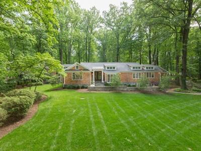 Einfamilienhaus for sales at Springhaven Estates 8425 Sparger St  McLean, Virginia 22102 Vereinigte Staaten