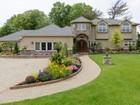 Nhà ở một gia đình for  sales at Colonial 290 Heather Ln Hewlett Harbor, New York 11557 Hoa Kỳ