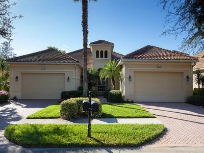 タウンハウス for sales at OLDE CYPRESS - SANTORINI VILLAS 3094  Santorini Ct  Naples, フロリダ 34119 アメリカ合衆国