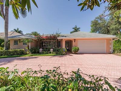 Villa for sales at MOORINGS 520  Harbour Dr Naples, Florida 34103 Stati Uniti