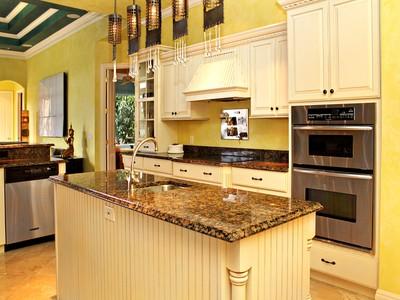 Casa Unifamiliar for sales at LIDO KEY 453 S Polk Dr Sarasota, Florida 34236 Estados Unidos