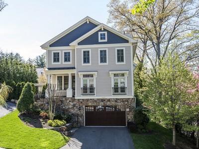 独户住宅 for sales at Arlington: 2358 Kenmore Street  Arlington, 弗吉尼亚州 22207 美国