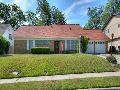 Casa Unifamiliar for sales at Fabulous Brick Home in Northcrest Hills 614 Oban Dr  San Antonio, Texas 78216 Estados Unidos
