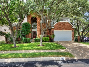 Single Family Home for sales at Gorgeous Corner Lot Home in Deer Hollow 1603 Doe Park San Antonio, Texas 78248 United States