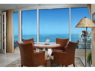 Condomínio for sales at PARK SHORE - PROVENCE 4151  Gulf Shore Blvd  N PH3 Naples, Florida 34103 Estados Unidos
