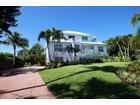 一戸建て for  sales at Sanibel 561  Lighthouse Way  Sanibel, フロリダ 33957 アメリカ合衆国