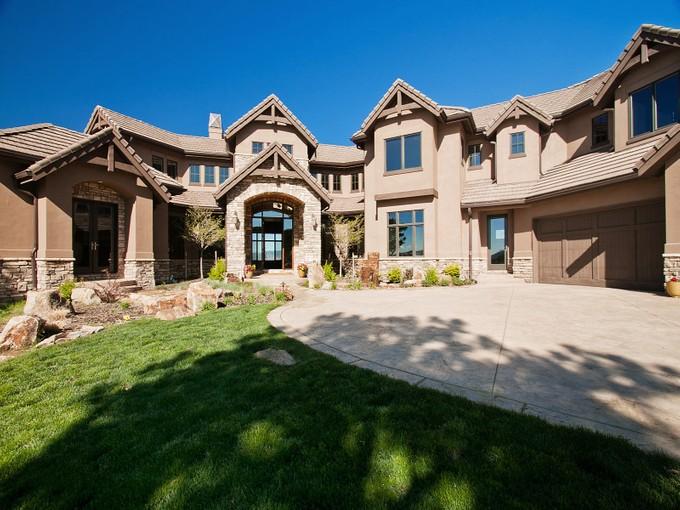 Einfamilienhaus for sales at 778 International Isle 778 International Isle Dr Castle Rock, Colorado 80108 Vereinigte Staaten