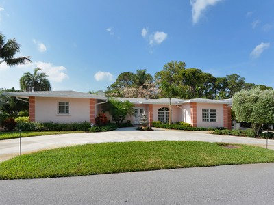 Single Family Home for sales at GULF SHORES 401  Sunset Dr Venice, Florida 34285 United States
