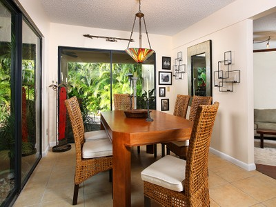 Maison unifamiliale for sales at MARCO ISLAND - INLET 830  Inlet Dr Marco Island, Florida 34145 United States