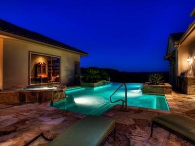 Moradia for sales at Stunning Dominion Estate 38 Galleria Dr  San Antonio, Texas 78257 Estados Unidos