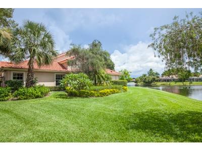 Maison de ville for sales at MONTEREY 1761  San Bernardino Way Naples, Florida 34109 États-Unis