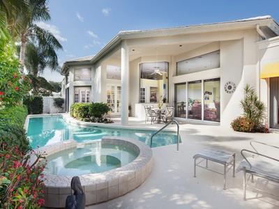 Maison de Ville for sales at PELICAN BAY - GRAND BAY 7924  Grand Bay Dr 24 Naples, Florida 34108 États-Unis