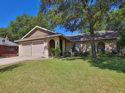 Casa para uma família for sales at Beautiful One-Story in Blossom Park 12307 Tangerine St San Antonio, Texas 78247 Estados Unidos