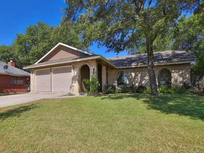 Nhà ở một gia đình for sales at Beautiful One-Story in Blossom Park 12307 Tangerine St San Antonio, Texas 78247 Hoa Kỳ
