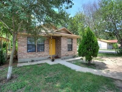 Частный односемейный дом for sales at Move-in-Ready Near Downtown 970 Vermont Ave  San Antonio, Техас 78211 Соединенные Штаты