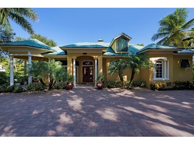 Einfamilienhaus for sales at OLDE NAPLES 315  3rd Ave  N  Naples, Florida 34102 Vereinigte Staaten