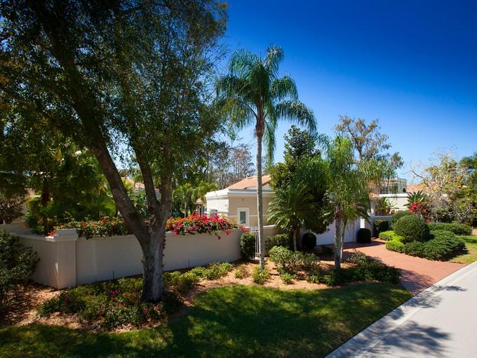 Maison unifamiliale for sales at WYNDEMERE - VILLA FLORESTA 212  Via Napoli Naples, Florida 34105 États-Unis