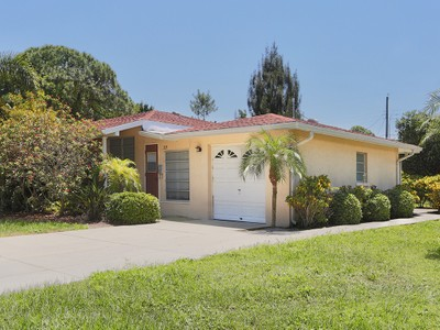 Single Family Home for sales at VENICE ISLAND 229  San Marco Dr Venice, Florida 34285 United States