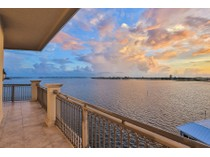 콘도미니엄 for sales at GRANDE RIVIERA 420  Golden Gate Pt 800PH   Sarasota, 플로리다 34236 미국